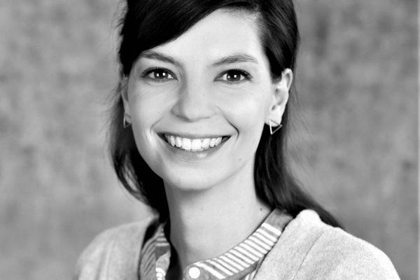 Dr. Julia Hünniger
